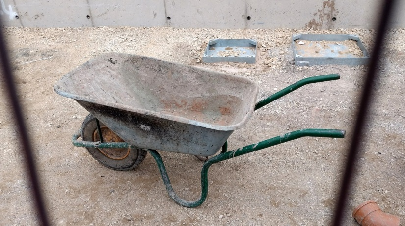 wheelbarrow1