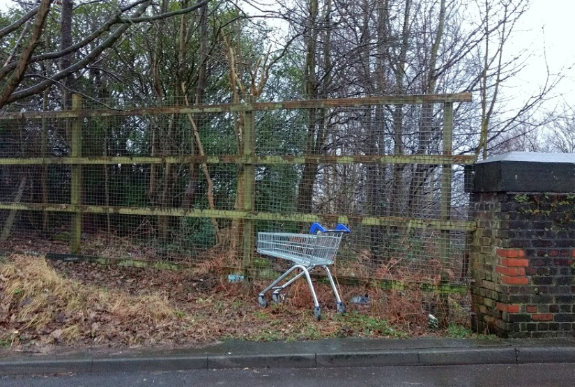 abandoned shopping trolley1