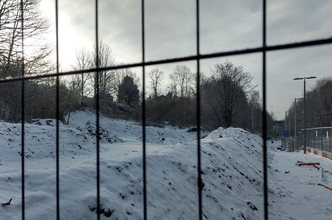 wheelbarrow snow3