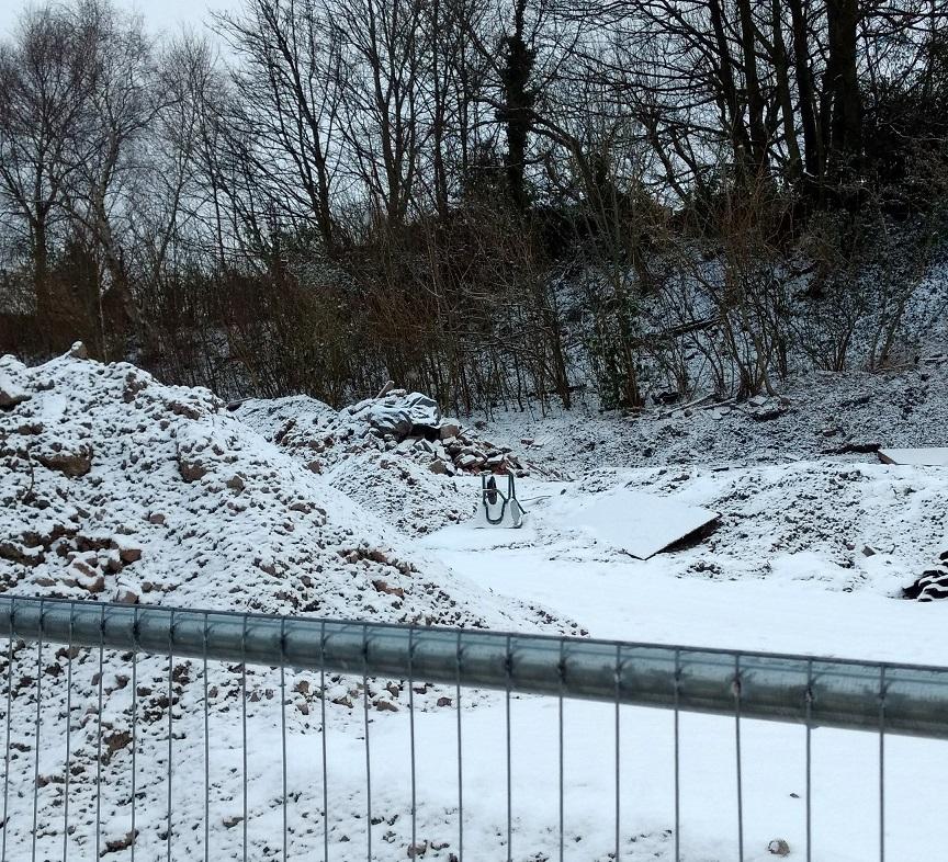 wheelbarrow snow4