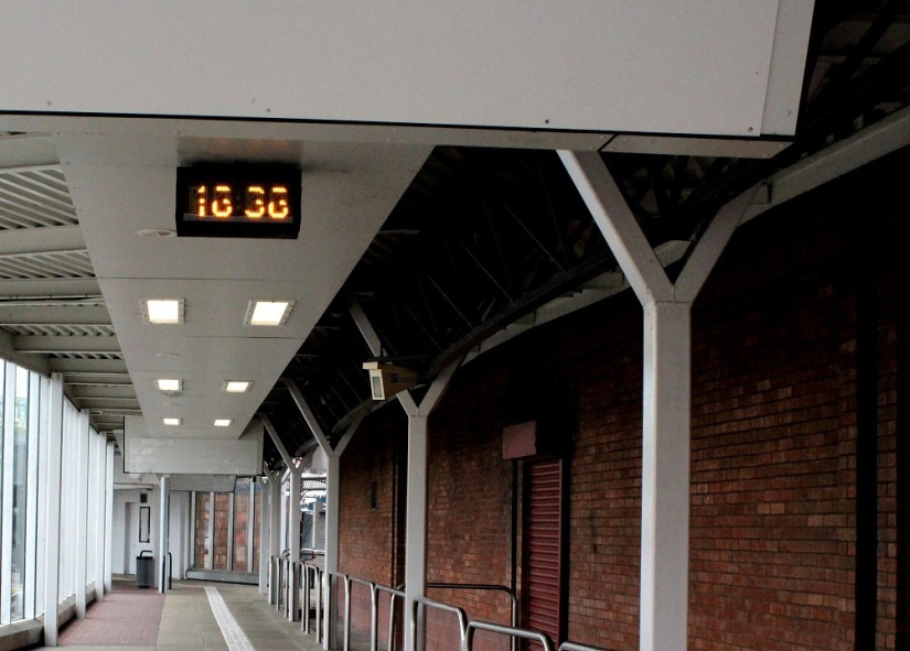 clock strikes 13