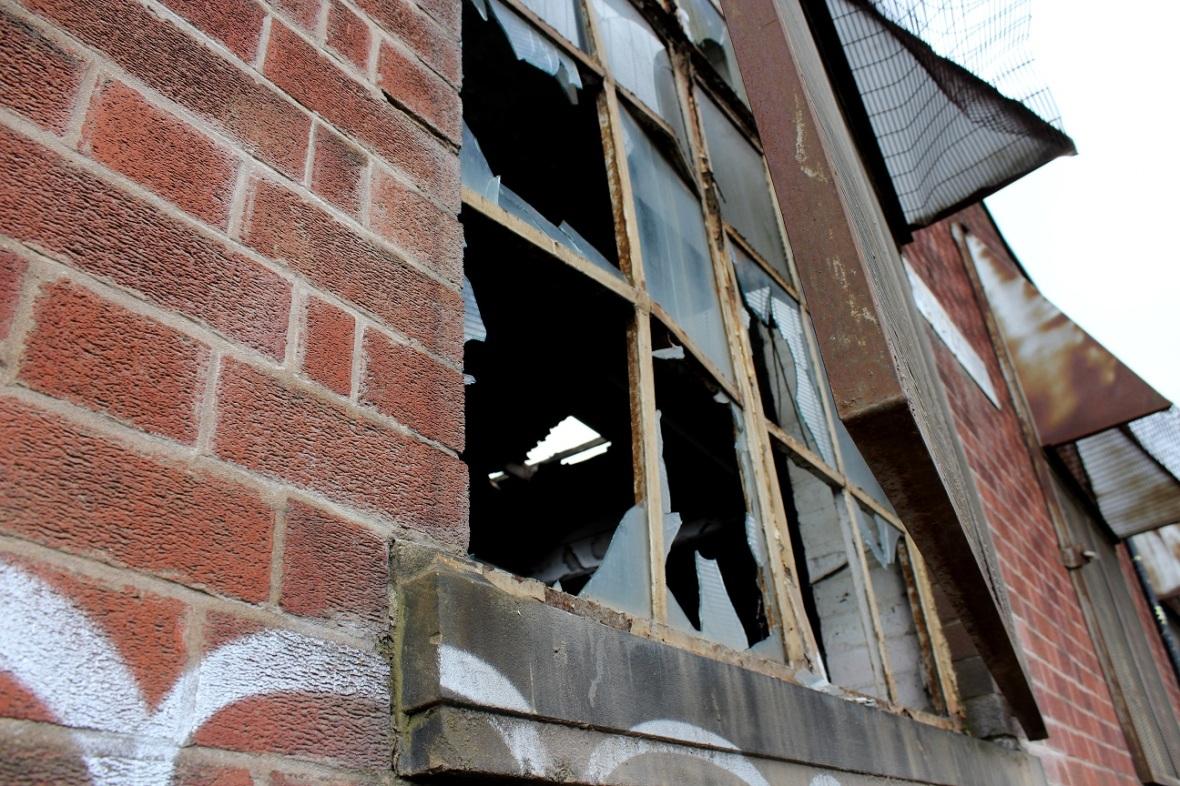 broken window1
