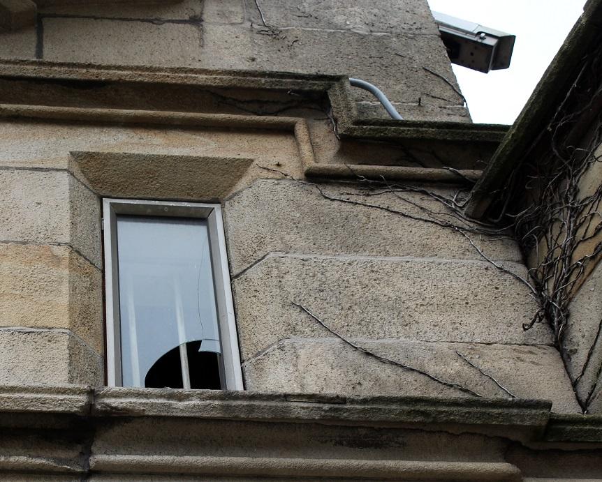 broken window3