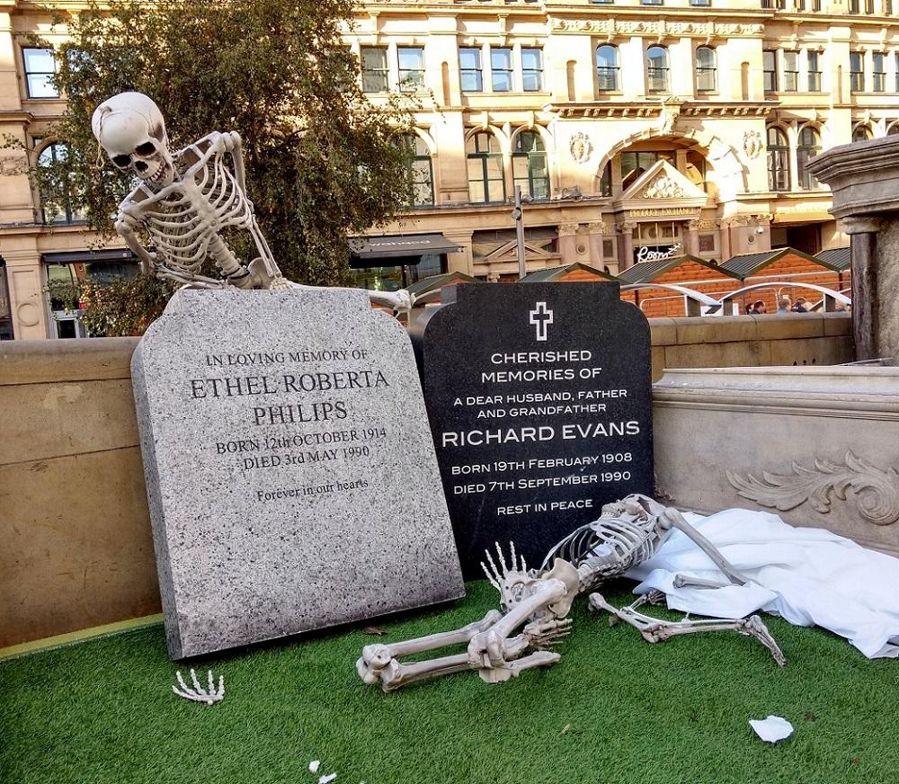 halloween skeleton3